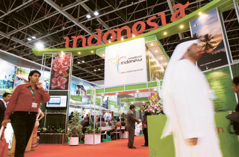 visitors-at-the-indonesia-stand