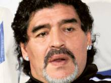 Maradona grounded after passport mix-up