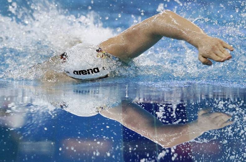 germany-s-paul-biedermann-swims-to-win-the-gold-medal-in-the-men-s-400-meter-freestyle-final