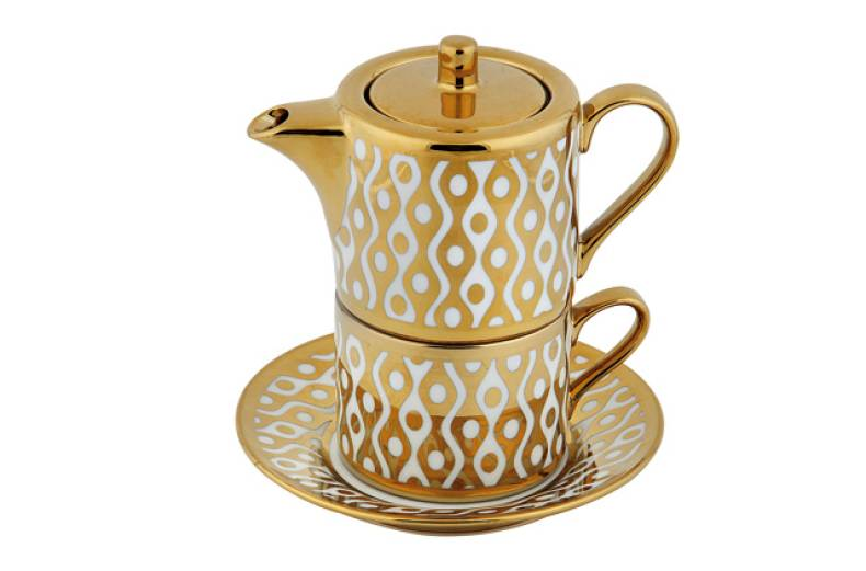 white-and-gold-porcelain-tea-set