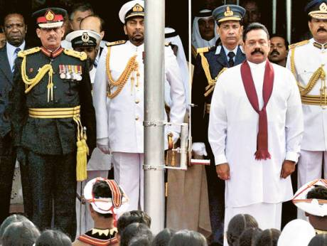 Mahinda Rajapakse, service commanders (from left) Air Marshal Donald Perera, Lt Gen Sarath Fonseka