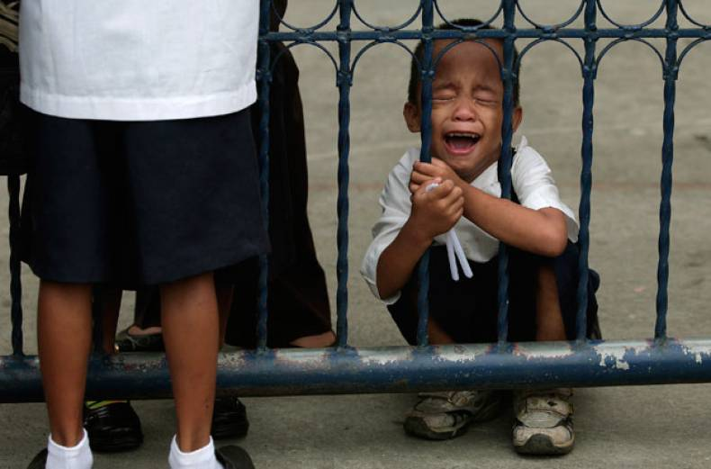 a-filipino-kindergarten-student-cries-during-his-first-day-at-school