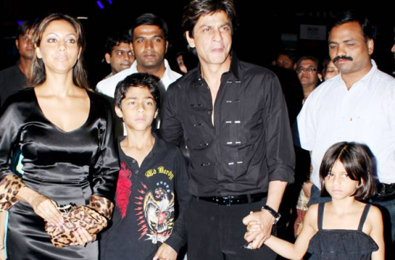 shah-rukh-khan-and-family