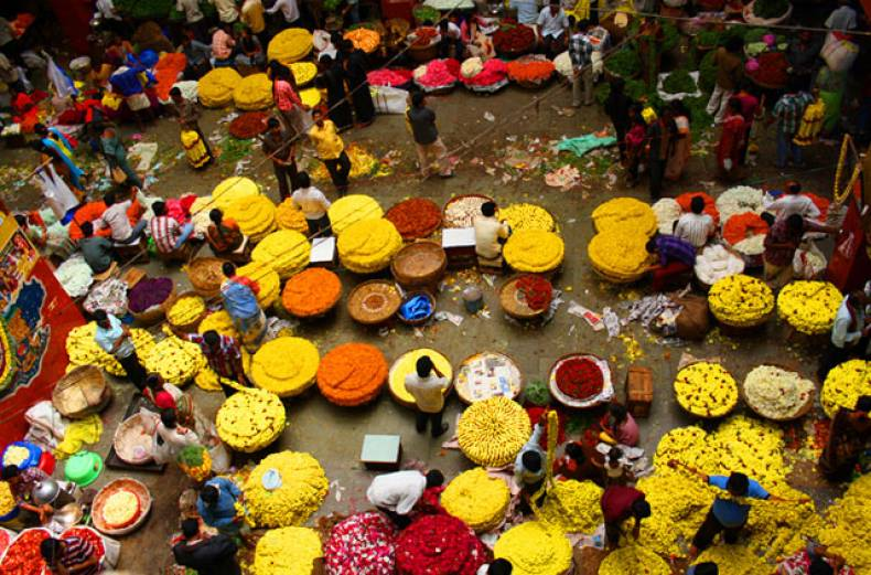 abrar-mohsin-was-mesmerised-by-all-the-colours-when-he-visited-the-flower-market-in-bangalore