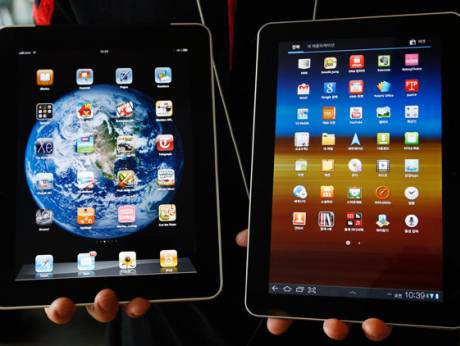 A Samsung Galaxy tablet 10.1 and Apple iPad