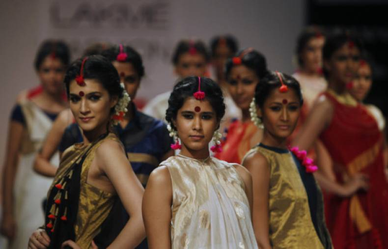 copy-of-aptopix-india-fashion-week-jpeg-0f2ad