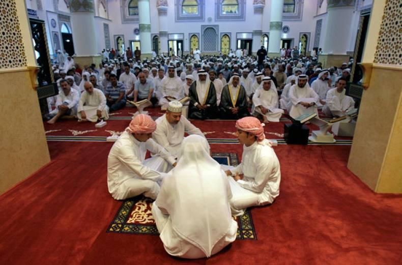 emirati-muslims-recite-the-quran-before-eid-al-adha-prayers-at-farooq-omar-inb-al-khatab-mosque