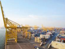 DP World reports flat 2015 volume growth