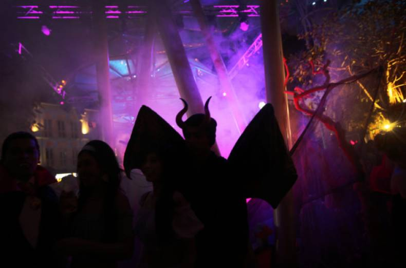 copy-of-singapore-halloween-jpeg-0697e-1