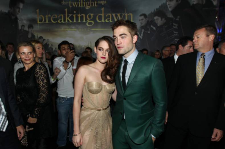 copy-of-world-premiere-of-the-twilight-saga-breaking-dawn-part-ii-jpeg-03bf8