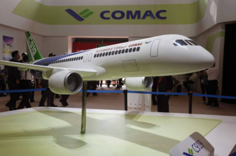 copy-of-zhu02-china-airshow-comac-1113-11