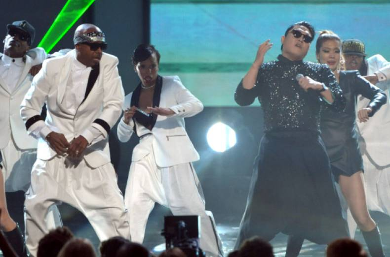 copy-of-2012-american-music-awards-show-jpeg-0cd9a