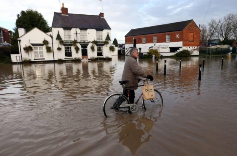 copy-of-britain-floods-jpeg-0f3c8