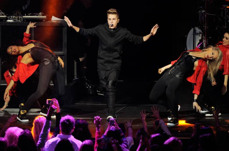kiis-fm-s-jingle-ball