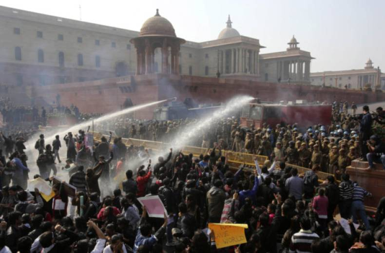 copy-of-del04-india-protests-1222-11-2