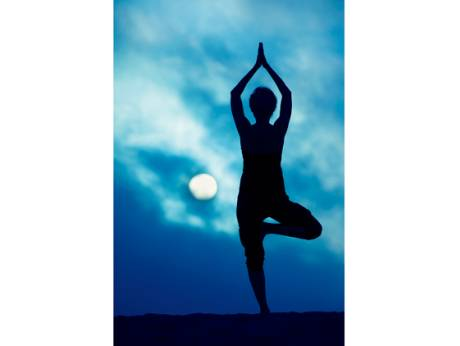 Full-Moon Yoga