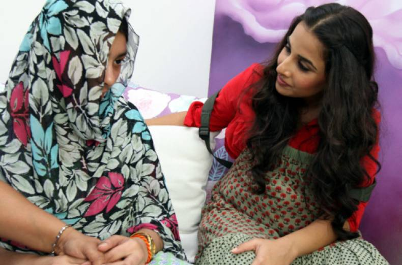 tab-121211-ynd-vidya-balan-visiting-the-women-s-shelter-in-dubai1