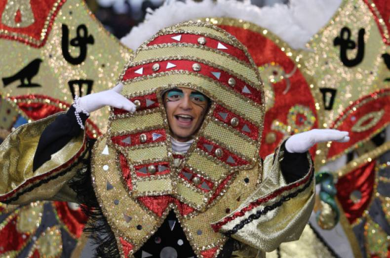 copy-of-mummers-parade-jpeg-00f15
