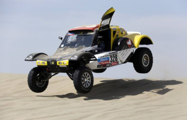 copy-of-jna38-rallying-dakar-0105-11