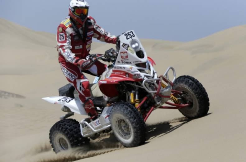 copy-of-jna48-rallying-dakar-0106-11