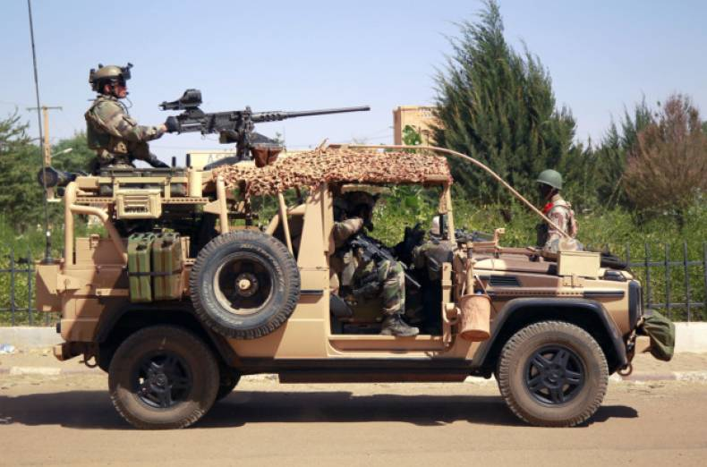 copy-of-mali-fighting-jpeg-0b106