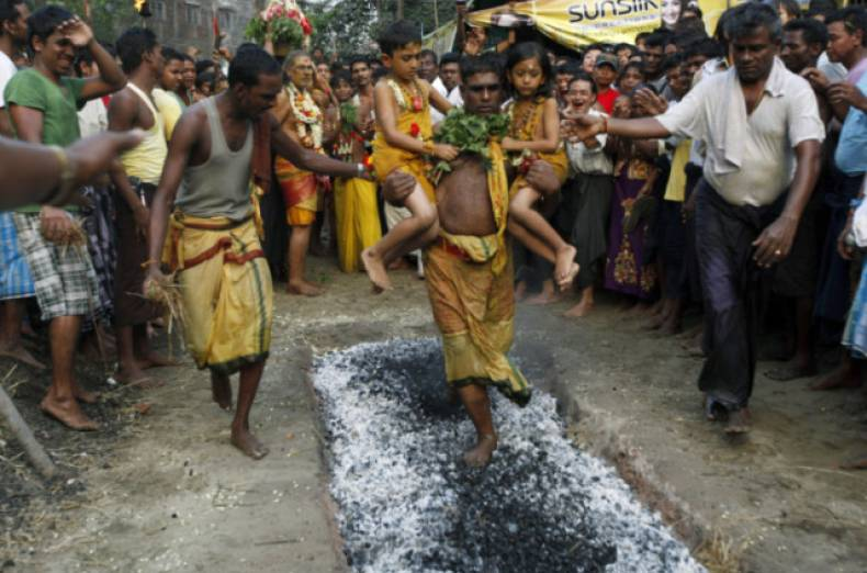 copy-of-myanmar-hindu-festival-jpeg-03b7c