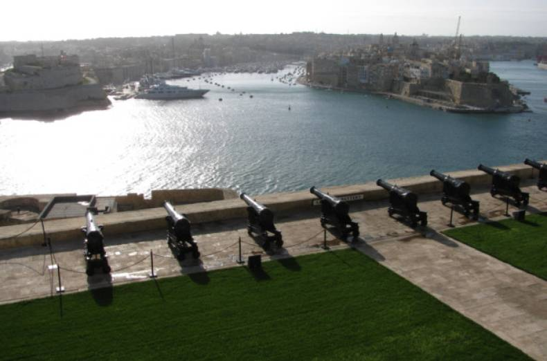 twt-ex-malta-valletta-grand-harbour-from-upper-barrakka-gardens-md