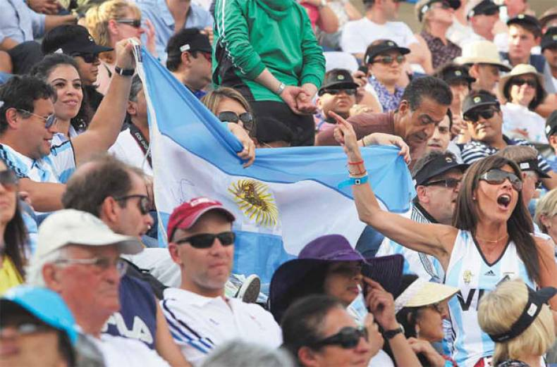 argentinian-fans-fly-their-country-s-flag