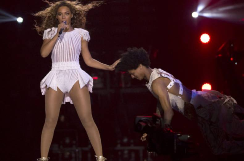 copy-of-the-mrs-carter-show-world-tour-2013-amsterdam-jpeg-0e0e2