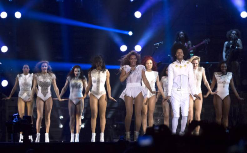copy-of-the-mrs-carter-show-world-tour-2013-amsterdam-jpeg-0ee2b