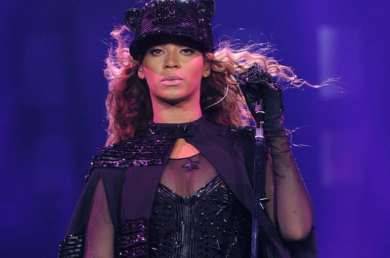 copy-of-the-mrs-carter-show-world-tour-2013-amsterdam-jpeg-0990f
