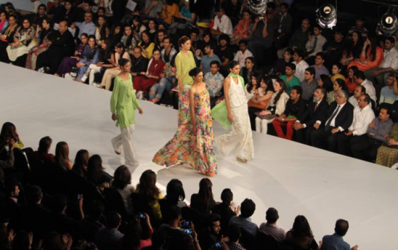 copy-of-pakistan-fashion-jpeg-0f87d