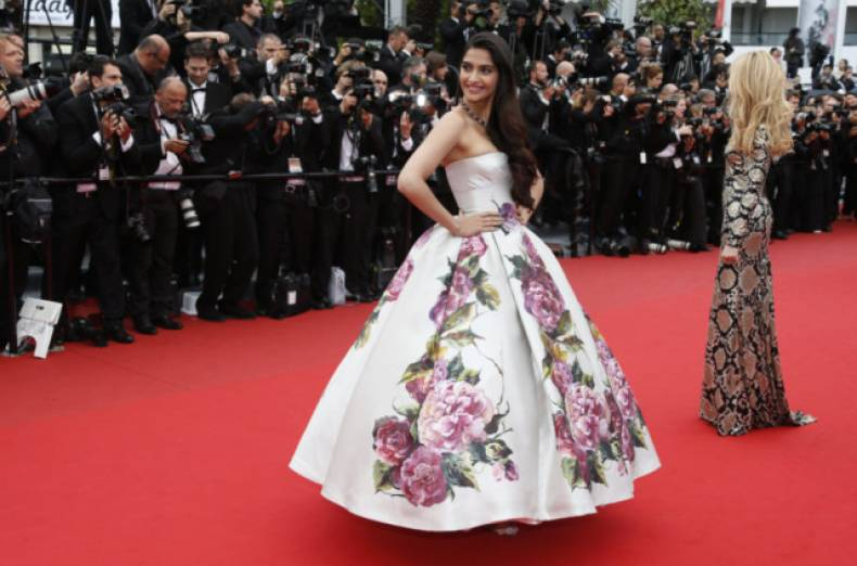tab-130518-cover-sonam-in-cannes-2