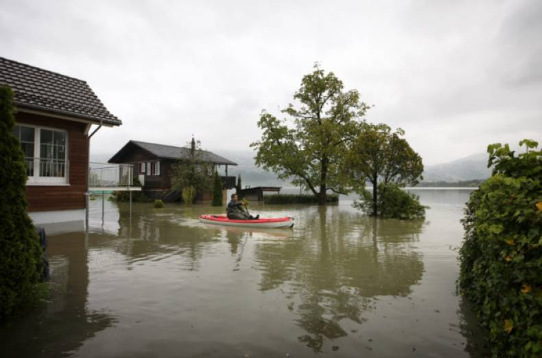 copy-of-switzerland-flooding-jpeg-00e30