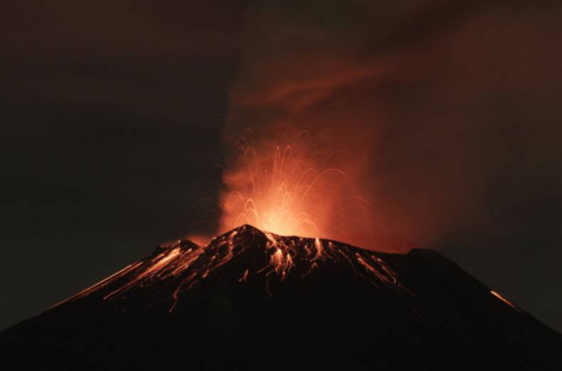 copy-of-2013-07-04t140033z-224287299-gm1e9741oz401-rtrmadp-3-mexico-volcano