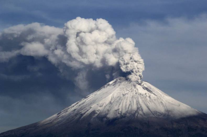 copy-of-2013-07-09t224219z-1441593497-gm1e97a0igu01-rtrmadp-3-mexico-volcano