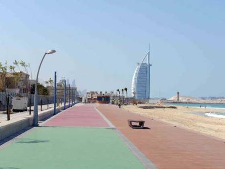 Essential Run: Dubai Running - Jumeirah Beach 10km running route!