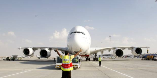 Airbus earnings slide on A350 costs