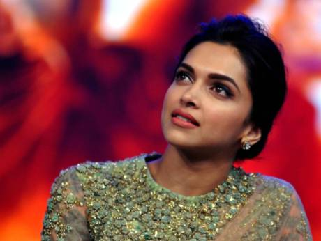Cleavage Row Bollywood Actress Deepika Padukone Writes Open Letter
