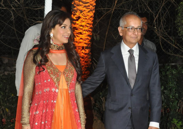 Jay mehta juhi chawla marriage pictures