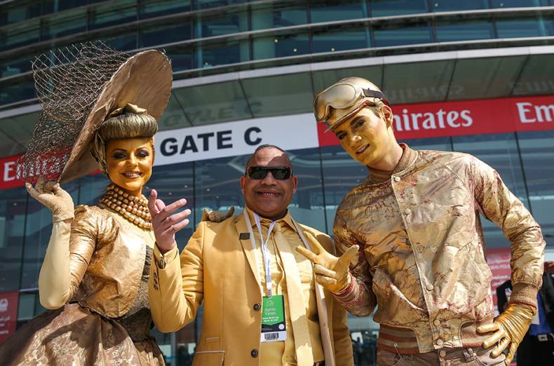 spectators-get-busy-in-anticipation-of-the-dubai-world-cup-2015