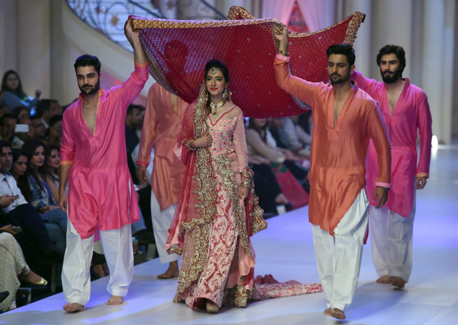multimedia framed life style picture gallery bridal couture fashion week karachi