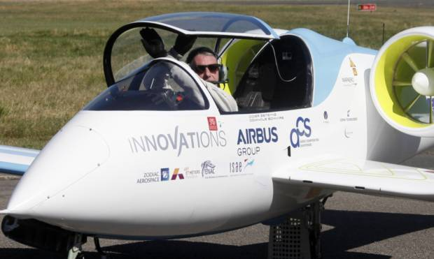 Electric plane flew across the English Channel