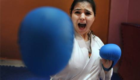 Hyderabad girl demonstrates her karate skills