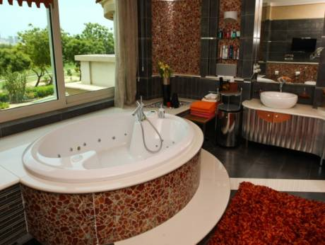 Incredible Bathrooms With A View In UAE