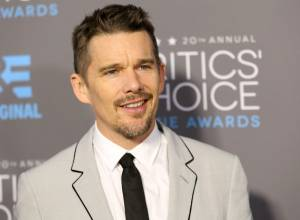 Ethan Hawke to run NYC Marathon for charity