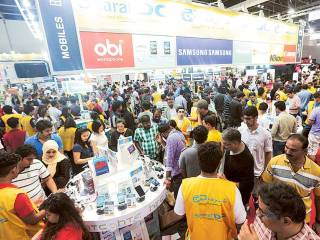 Retailers gear up for weekend frenzy