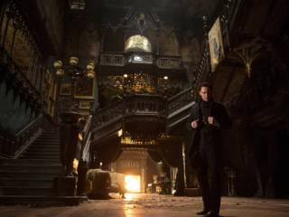 Watch Crimson Peak trailer