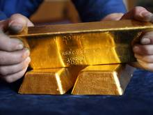 Man buys stolen gold, arrested by police