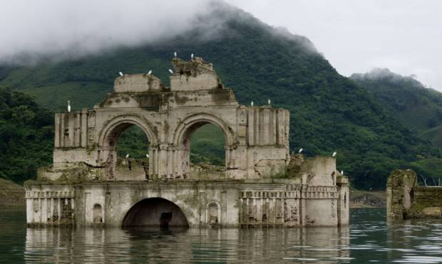 16th century church revealed in Mexican lake